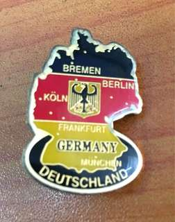 Collectibles...Vintage GERMANY DEUTSCHLAND FOOTBALL CLUB PIN