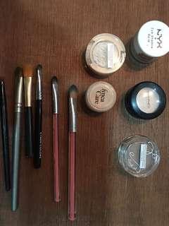 Eyeshadows Mac and other goodbrands