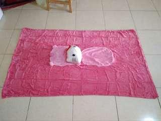 Balmut / bantal selimut