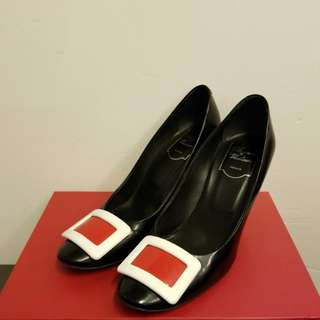 Roger Vivier 38 black with white high heels