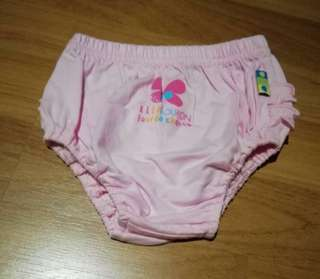Elle Poupon pink shorts