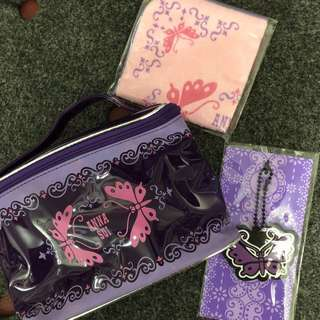 Anna Sui 毛巾、化妝袋、匙扣套裝