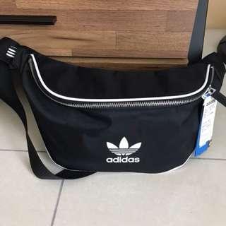 Adidas腰包
