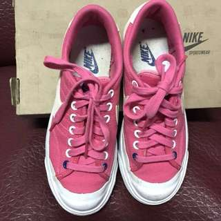 Nike shoes (authentic)