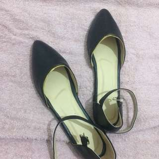 Black & gold flats with strap