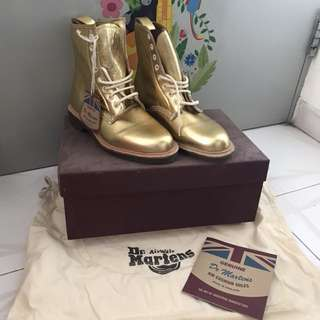 ❤️ Dr Martens airwair special edition gold 8 holes boots shoes