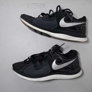 Running Shoes - Nike Lunarlon