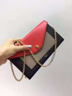Céline功能性信封拼色小包![色]肩带链子可以随时拆卸当钱包!手工油边都完美!内外全皮!细节任你挑,尺寸:20.5/4.5/12