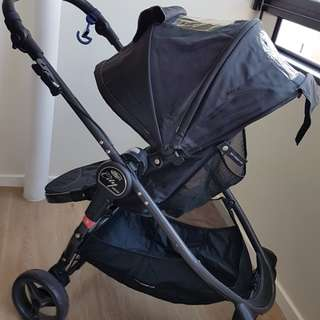 Dual facing! Baby Jogger City Versa