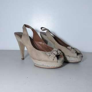 Beige heels - Zara