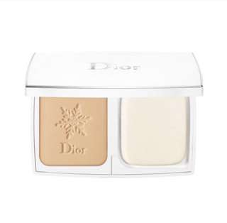 DIORSNOW COMPACT WHITE REVEAL PURE & PERFECT TRANSPARENCY MAKEUP SPF 30 PA+++ (020 Light Beige)
