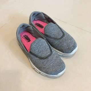 Skechers gogamat灰色休閒鞋