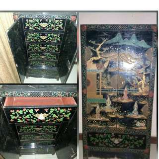 Lemari Antik Cina