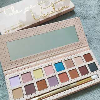 Kylie Vacation Eyeshadow Palette