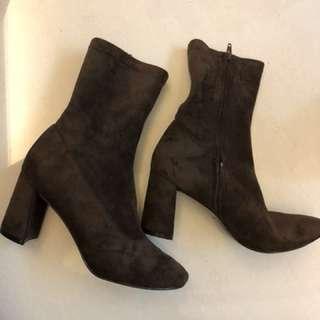 襪套靴 超美粗跟 全新