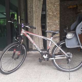 Raleigh mountain bike with baby seat