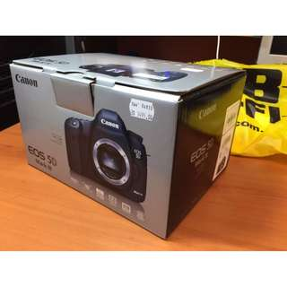 Barely used Canon 5D Mark III for sale