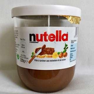Nutella法國🇫🇷能多益榛果可可醬.小孩大人都喜歡!吃土司,做麵包.餅乾都很棒!新包裝220克.期限:2018.12月