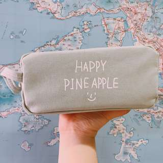 HAPPY PINE APPLE 大筆袋👍🏻👍🏻