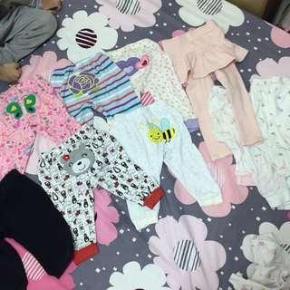 11件寶寶褲 其中一件是month褲裙