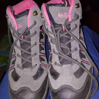 Hi-cut Rubber shoes