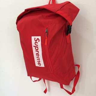 FREE POSTAGE‼️Supreme Waterproof Backpack