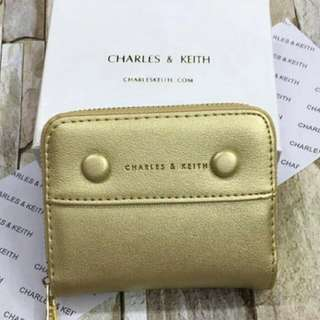 💠FREE SHIPPING 💠Charles and Keith wallet (Gold)