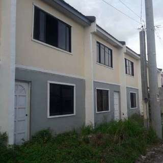 LIPAT AGAD 300k ASSUME UNIT at IMUS CAVITE 5,700  MONTHLY KAY PAGIBIG.  MAINROAD PM TEXT ME @09163468537