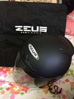Zeus helmet matt black