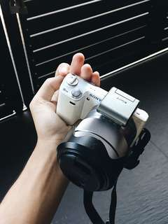 Sony NEX-5N Mirrorless Camera
