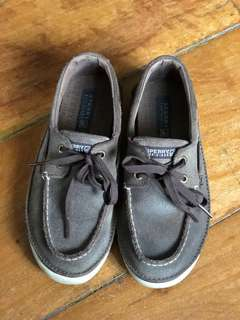 Repriced: Sperry boat shoes (size 2.5 US)