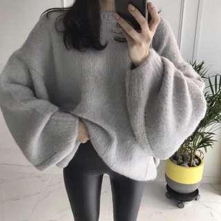 灰藍色毛衣