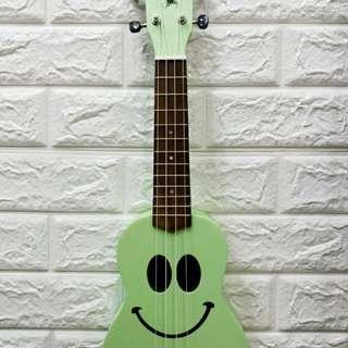 XMX Ukulele Happy Face Green Matte
