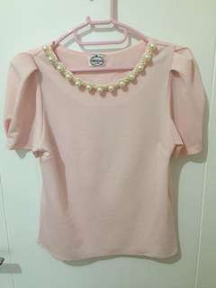 Pinky top with white pearl