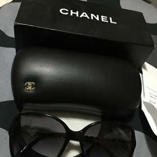 二手 正品 CHANEL 5210 黑色鏡框+金色鏈條鏡邊 高貴氣質 太陽眼鏡附收據