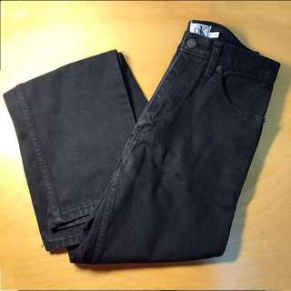 黑色直筒牛仔褲 #換季五折