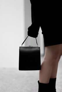 Joni Classic Shoulder Bag