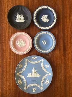 Wedgewood Collectors Plates Set Authentic