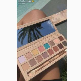 Kylie Cosmetics Take me on a vacation eyeshadow palette