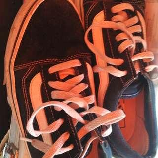 sepatu #FISIPUNIS