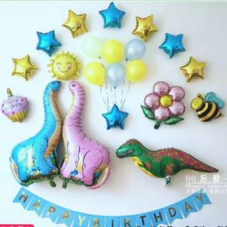 Dinosaur theme deco and candles