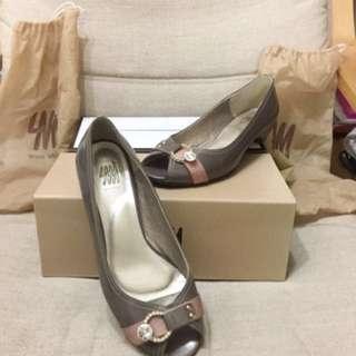 專櫃鞋 香檳可可色鑲鑽魚口鞋