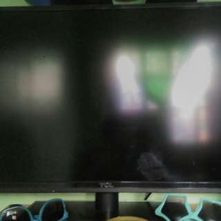 Brand New TCL LED TV (32in)