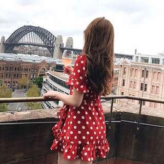 Candy w ❤️現貨❤️復古風大V領俏皮紅色點點洋裝
