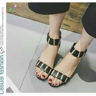 Style ankle's strap shoes