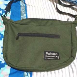Sling Bag Olive Rafheoo