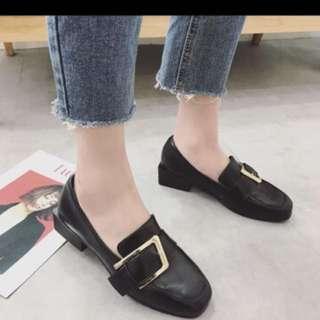 粗跟黑色英文風韓版小皮鞋❤️#換季五折