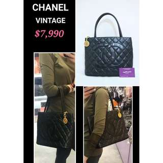 90% New CHANEL Vintage 黑色 CC Logo 金色 Coin 手提袋 手挽袋 手袋 Vintage Black CC Logo Calfskin Handbag with Gold Coin Hardware