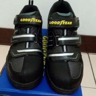 舒適鋼頭工作鞋