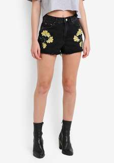 Topshop MOTO Floral Embroidered Mom Shorts